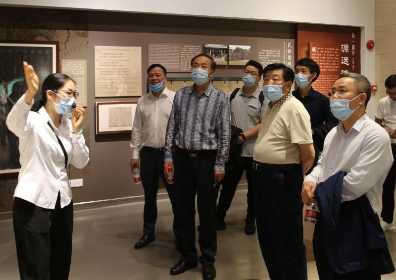 中国建筑业协会一行到粤剧艺术博物馆考察调研
